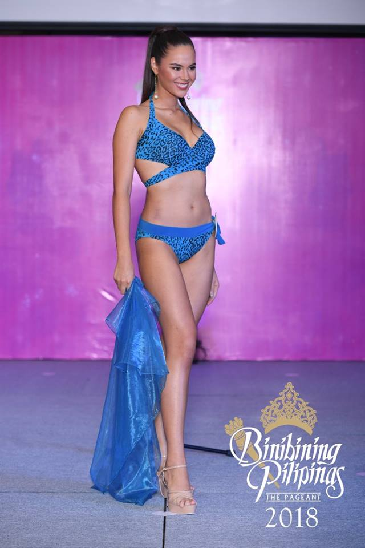 """Cụ thể cô chiến thắng gồm các giải như: Trang phục truyền thống đẹp nhất, trình diễn bikini đẹp nhất, dạ hội đẹp nhất… Tổng cộng tân hoa hậu 'ẵm"""" tận 5 giải phụ của cuộc thi."""
