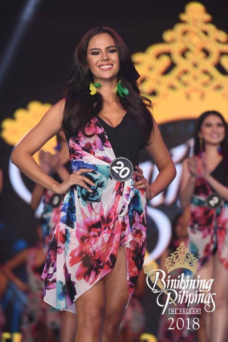 Trong đêm chung kết cô là thí sinh giành giải thưởng phụ kỷ lục.