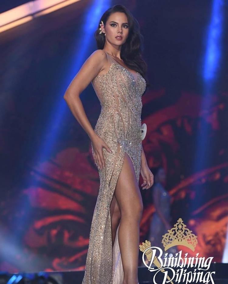 """Cô được biết đến là một MC, ca sĩ, người mẫu, kiêm """"nữ hoàng sắc đẹp"""" nổi tiếng tại quê nhà. ViệcCatriona xuất hiện tại cuộc thi Hoa hậu Hoàn vũ Philippines 2018 nhận được sự ủng hộ rất cao từ người hâm mộ và được xem như chiếc vương miện đã có chủ ngay từ khi nhập cuộc."""