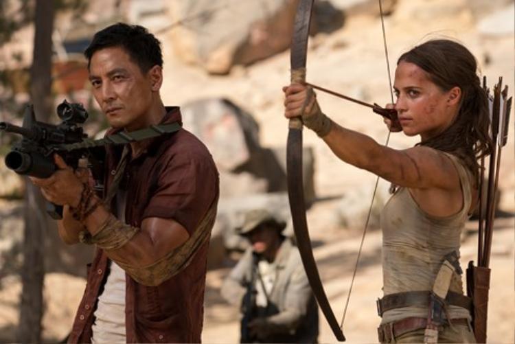 Ngô Ngân Tổ trong vai Lu Ren - Bạn đồng hành của Lara Croft