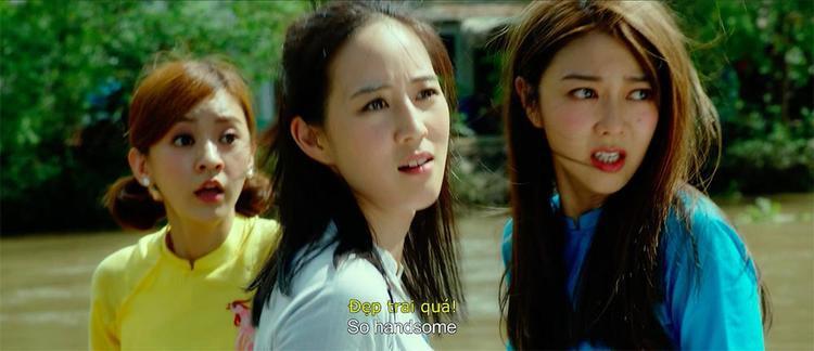 Ba cô gái trên đường chạy trốn…