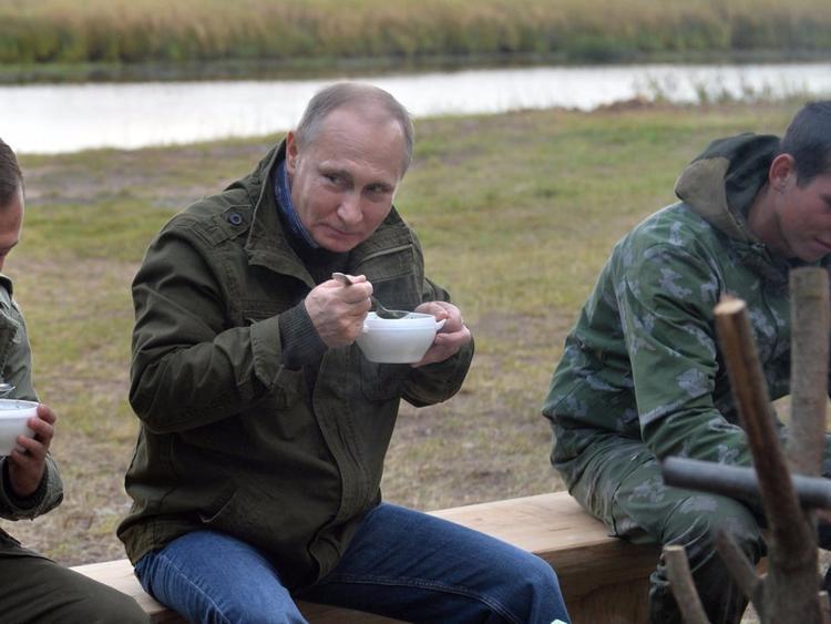 Sau bữa sáng, Tổng thống Putin sẽ uống cà phê.