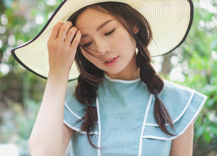 Nữ diễn viên 9X khoe gương mặt xinh như thiên thần và vóc dáng gợi cảm.