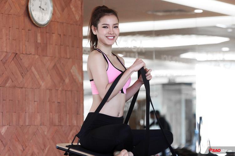 Phương Trinh Jolie là nữ ca sĩ, diễn viên xinh đẹp trong Showbiz Việt. Đặc biệt, cô được xem là có thân hình sexy bậc nhất làng giải trí.