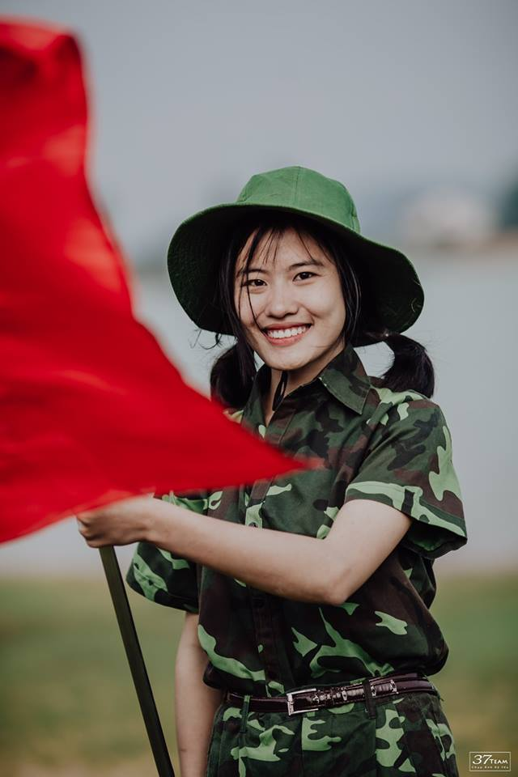 Từ hào biết bao với màu đỏ Quốc Kỳ (Ảnh: 37team)