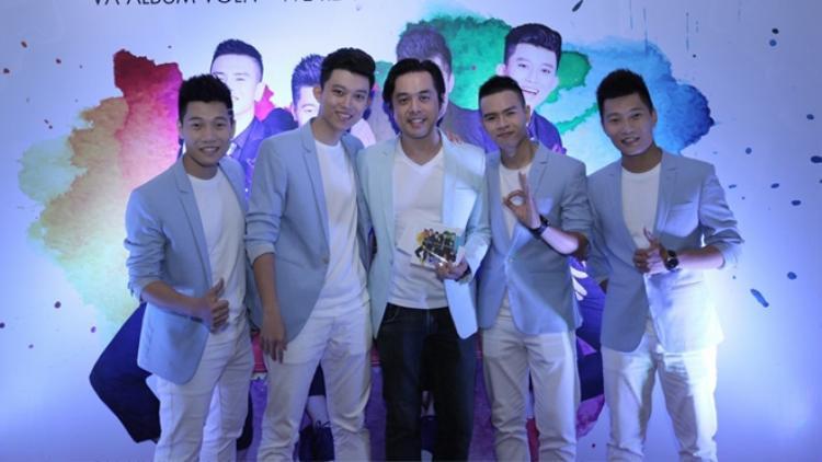 Oplus - nhóm nhạc được Dương Khắc Linh hỗ trợ về chuyên môn khá nhiều sau cuộc thi X-Factor.