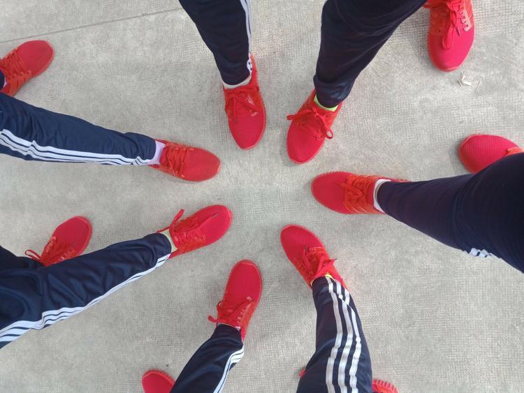 7 đôi giày màu đỏ trông thật bắt mắt.