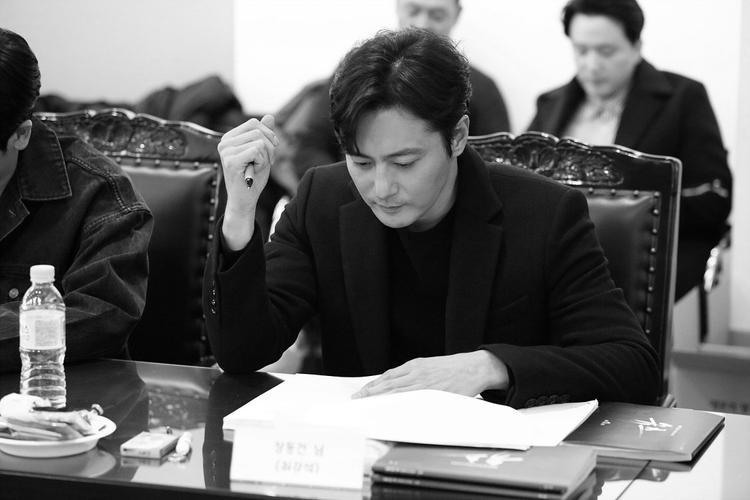 """""""Tài tử"""" nổi tiếng nhất làng giải trí Hàn Quốc - Jang Dong Gun."""