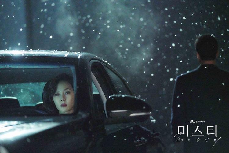 'Misty': Trổ tài trở thành biên kịch viết kết thúc cho bộ phim hình sự hot nhất hiện nay