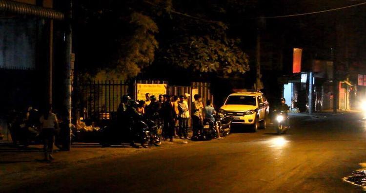Nhiều người dân khu vực hoang mang trước vụ nổ trong đêm.
