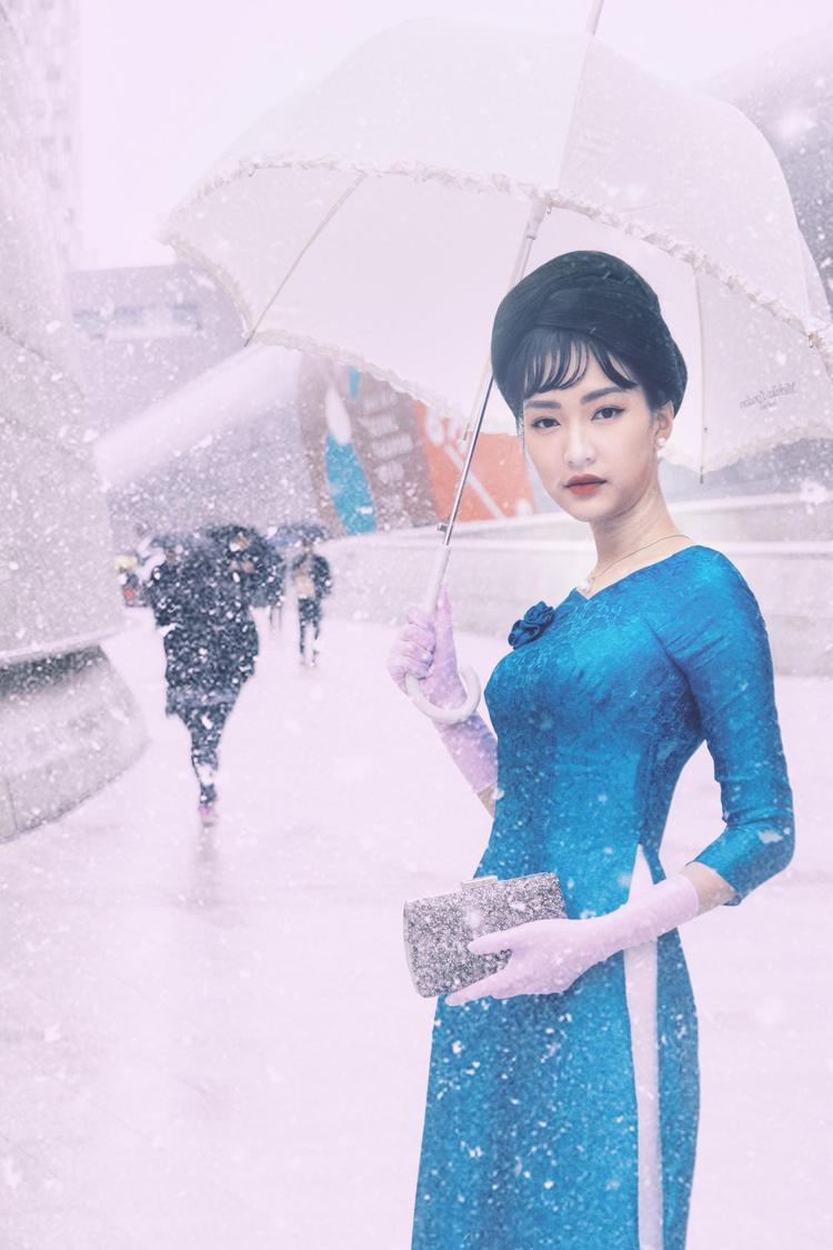 Một vài phóng viên Hàn Quốc còn nhanh chóng ghi lại khoảnh khắc Ngọc Trân tỏa sáng tại sự kiện và gửi tặng lại cô làm kỉ niệm.