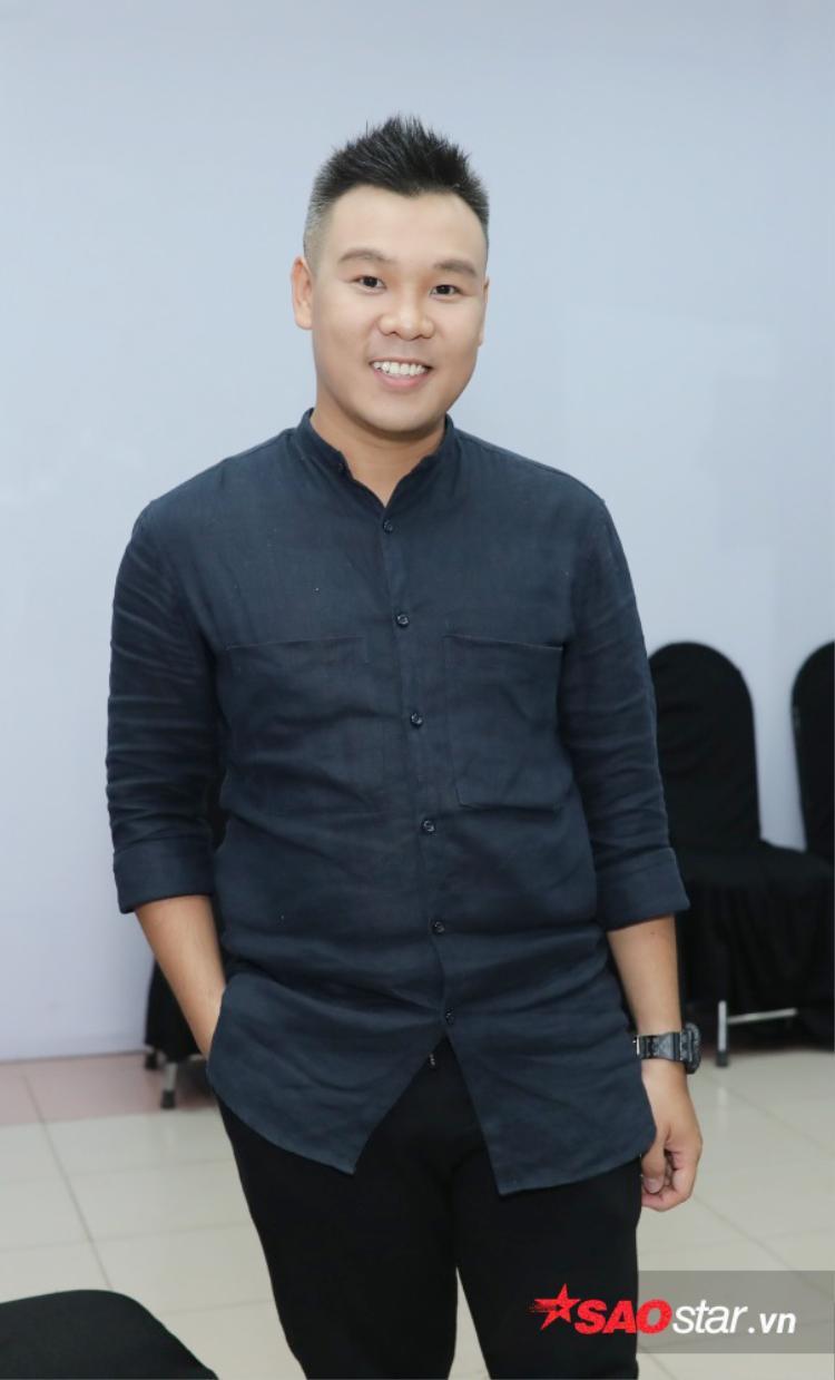 Producer Long Halo - Người đàn ông thầm lặng đứng đằng sau sự thành công của Tóc Tiên tại cuộc thi The Remix mùa đầu tiên cùng với DJ Touliver.