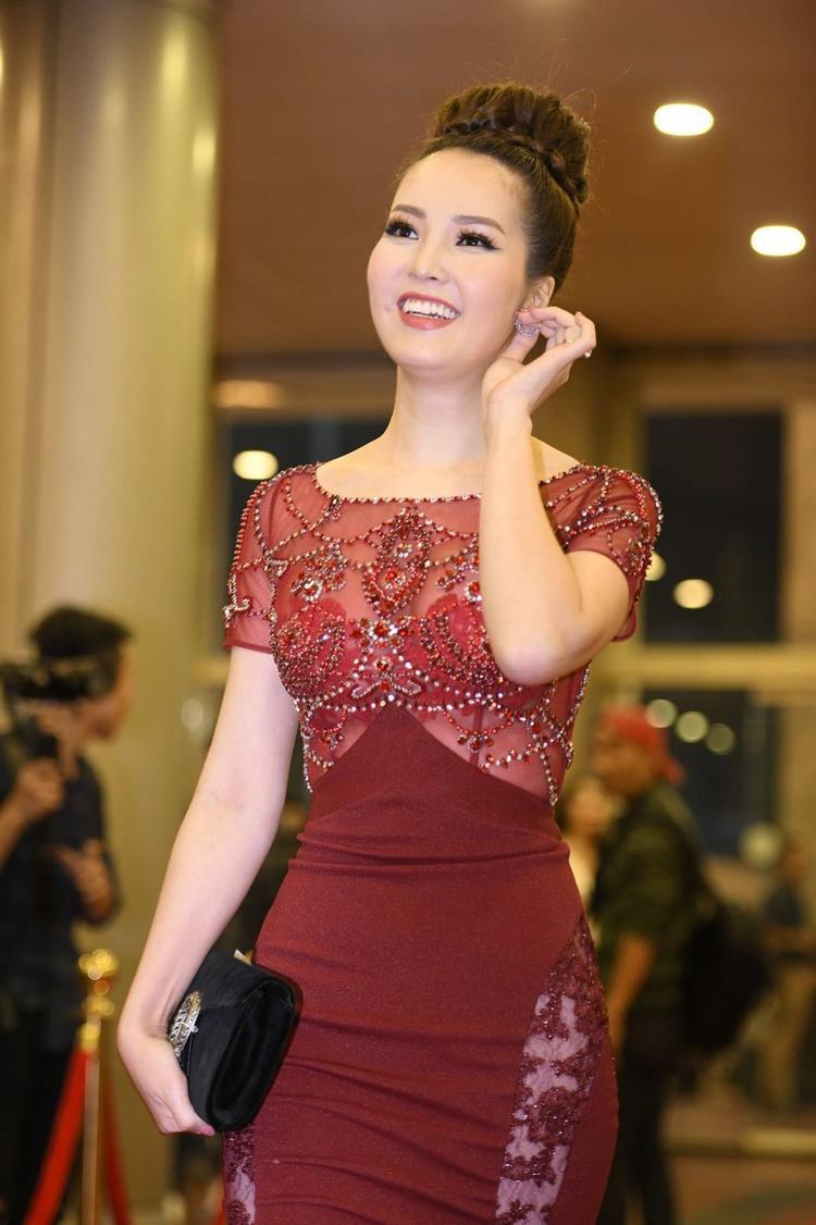 Á hậu Thuỵ Vân.