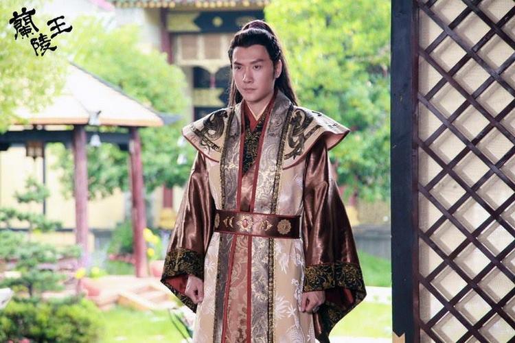 """Phùng Thiệu Phong trong vai Cao Trường Cung của """"Lan Lăng Vương"""". Đây là nhân vật nổi tiếng sống ở thời Bắc Tề"""