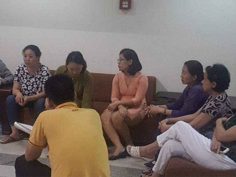 Hình ảnh của cuộc họp giữa cư dân và BQL chung cư vào đêm trước hôm xảy ra vụ cháy
