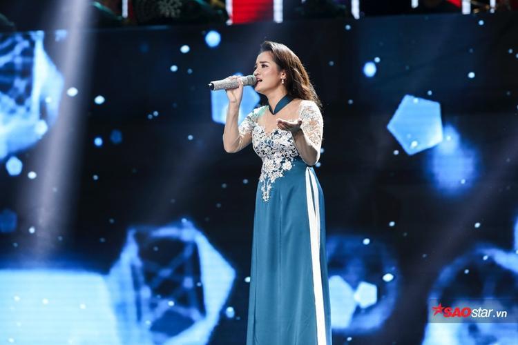Vẻ đẹp trong giọng hát, cách xử lý của bộ đôi Quang Long - Thanh Nhã đặc biệt thu hút khán giả.