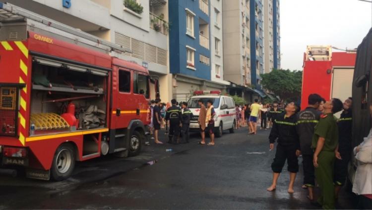 Khung cảnh khu vực xảy ra hỏa hoạn vào sáng nay. Ảnh: Phương Sinh.