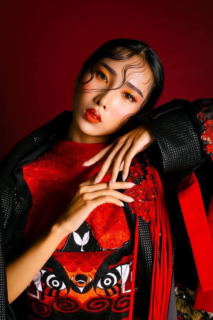 Ngọc Quyên sinh năm 1994 tại Đà Nẵng, tính đến nay cô đã theo nghề người mẫu được 3 năm.