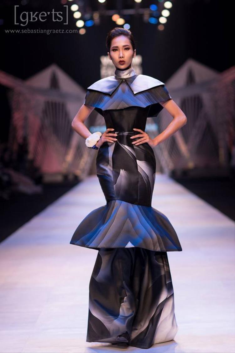 Ngọc Quyên là gương mặt quen thuộc trên sàn diễn của Tuần lễ thời trang Việt Nam.