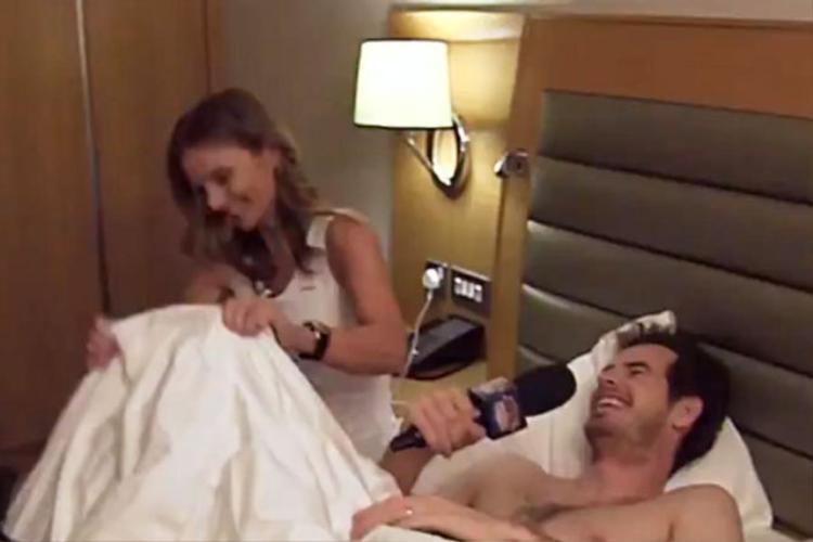 Tay vợt Andy Murray bán khỏa thân trả lời phỏng vấn… trên giường