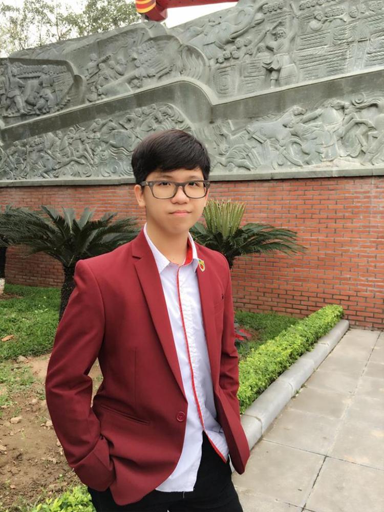 Trần Quang Vũ học sinh lớp 10D0 mong muốn trở thành nghệ sĩ guitar nổi tiếng trong tương lai. Cậu bạn có thành tích siêu khủng:Giải nhất hội thi Học sinh giỏi giang - tài năng thanh lịch năm 2014 - 2015; vô địch NBK's got talent năm học 2016 - 2017 vàGiải Ba Festival tiếng anh năm học 2017 - 2018.