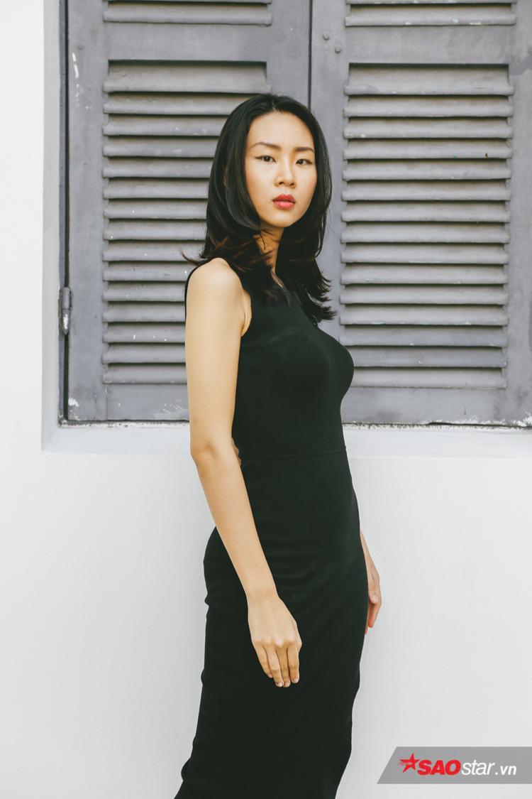 Võ Đông Hạ là một trong những thí sinh triển vọng của chương trình Siêu mẫu Việt Nam 2018 trong phần thi online. Chân dài đã có 2 năm kinh nghiệm và từng trình diễn trong show của các NTK như: Đỗ Mạnh Cường, Li Lam,…