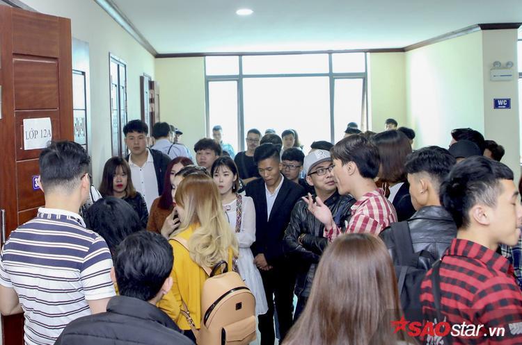 Thí sinh hội tụ chật kín trong đợt tuyển sinh thứ 2 The Voice 2018 tại Hà Nội