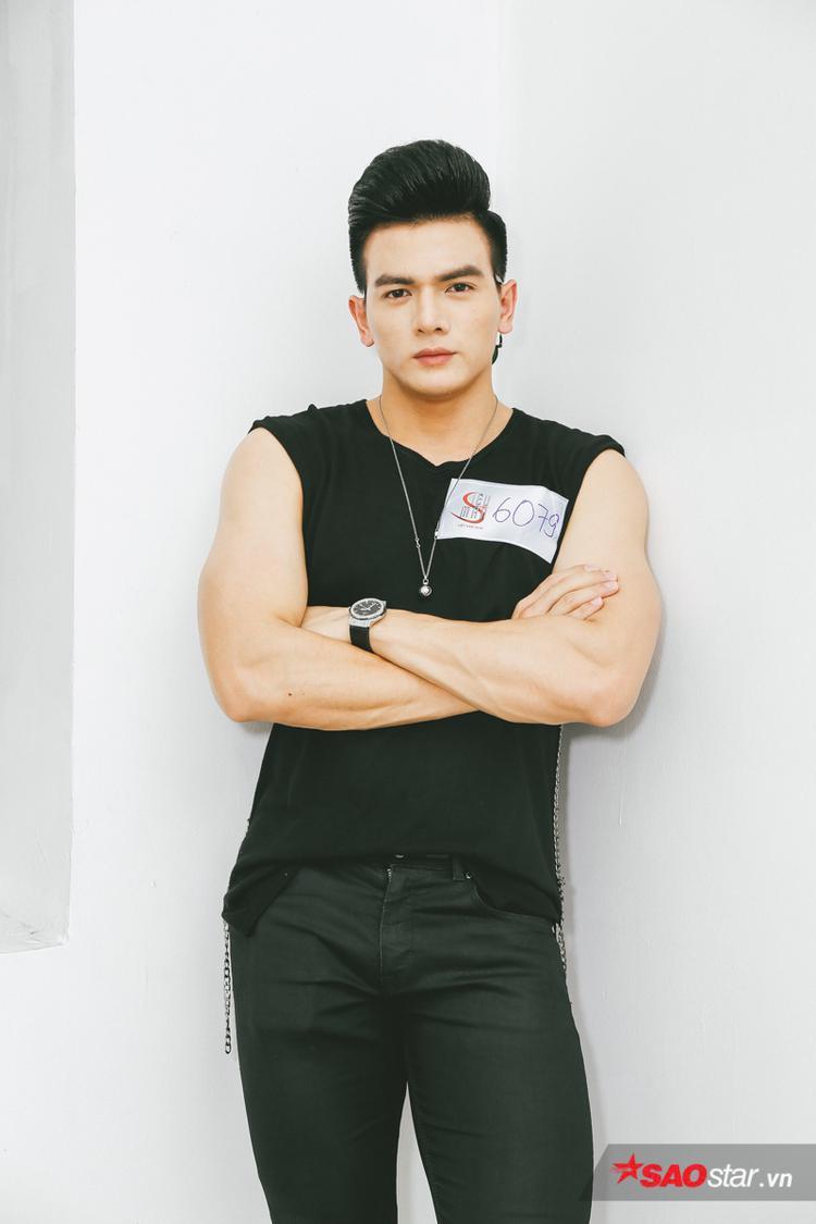 Ngoài công việc người mẫu trên sàn diễn, Lê Xuân Tiền cũng là gương mặt mẫu nam được yêu thích của những tạp chí thời trang danh tiếng tại Việt Nam. Anh cũng từng tham gia đóng quảng cáo và gần đây nhất là trở thành gương mặt quảng bá cho một thương hiệu nước uống tại Việt Nam.