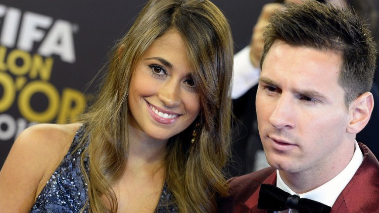 Vẻ rạng ngời khi cùng Messi tham gia lễ trao giải QBV FIFA.