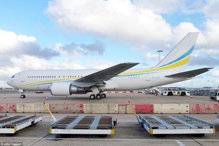 Cận cảnhBoeing 767 của Hoàng tử Khalid. Ảnh: John Taggart