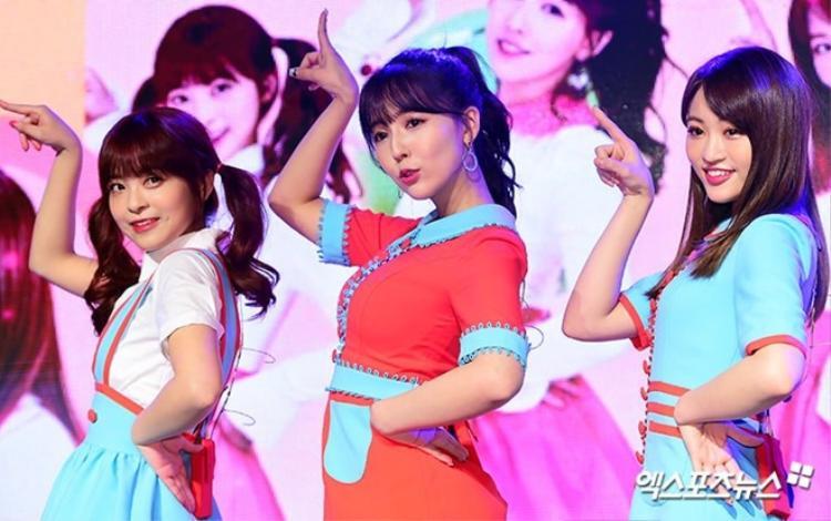 3 cô gái của Honey Popcorn gồm: Yua Mikami, Miko và Sakura.