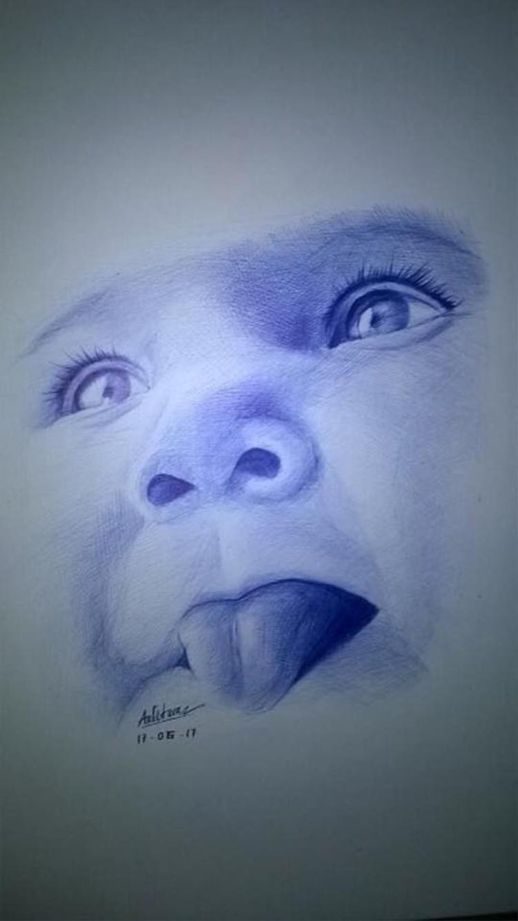 Khuôn mặt đáng yêu của một đứa bé được tái hiện qua nét bút của Anh Tuấn.