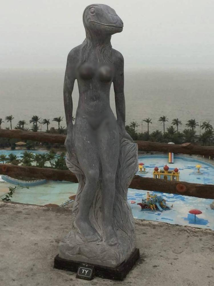 Hình ảnh tượng thân thể người phụ nữ nhưng đầu rắn.