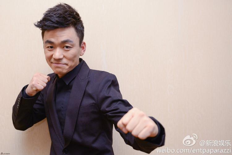 """Vương Bảo Cường nhận giải """"Đạo diễn tệ nhất năm""""."""