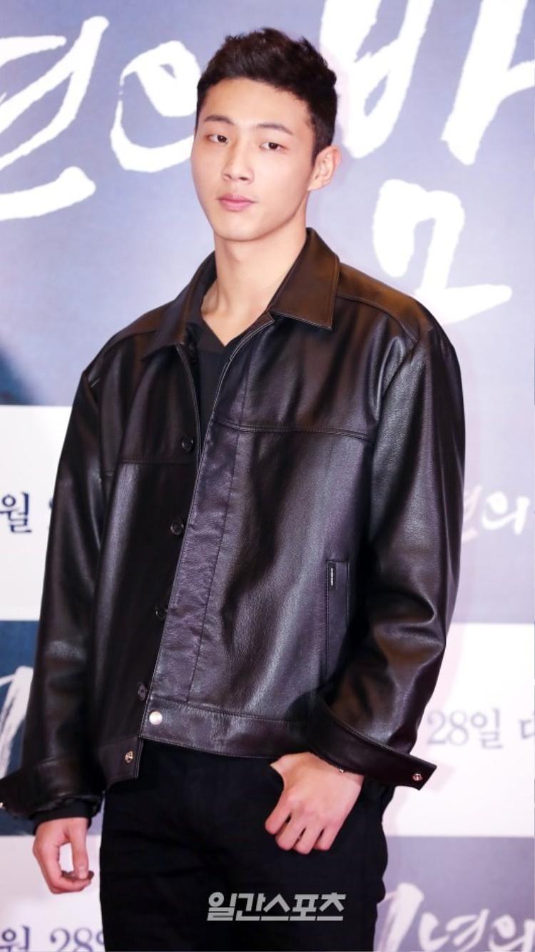 Nam diễn viên Moon Lovers - Ji Soo.