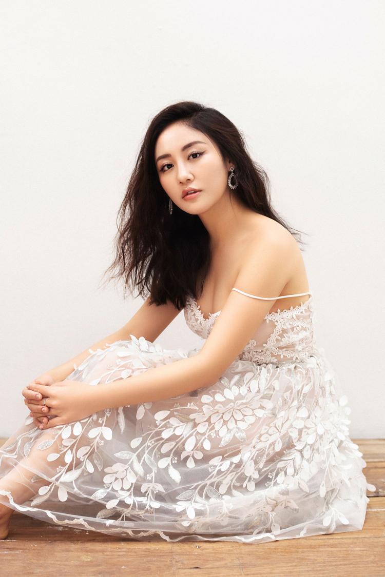 Ngày thứ tư của tháng ba là dự án âm nhạc mở màn cho loạt kế hoạch mới của Văn Mai Hương trong năm 2018.