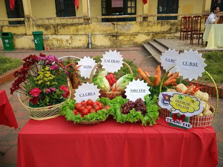 Tất cả các loại rau củ quả đều là các sản phẩm sạch của quê hương.