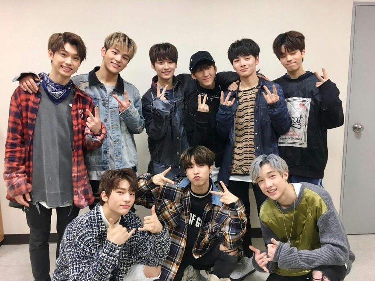 Ngày 25/3, boygroup này đã hoàn thành showcase debut của mình với sự tham gia của 4500 người hâm mộ.