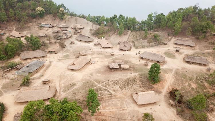 Buôn làng xa xôi của tỉnh Điện Biên nhìn từ trên cao.