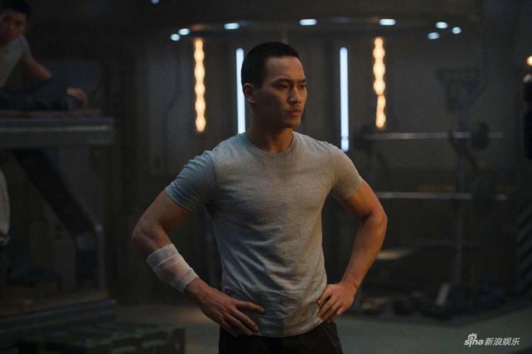 Không phải Cảnh Điềm, Huỳnh Khải Kiệt mới là người cứu phim Pacific Rim 2