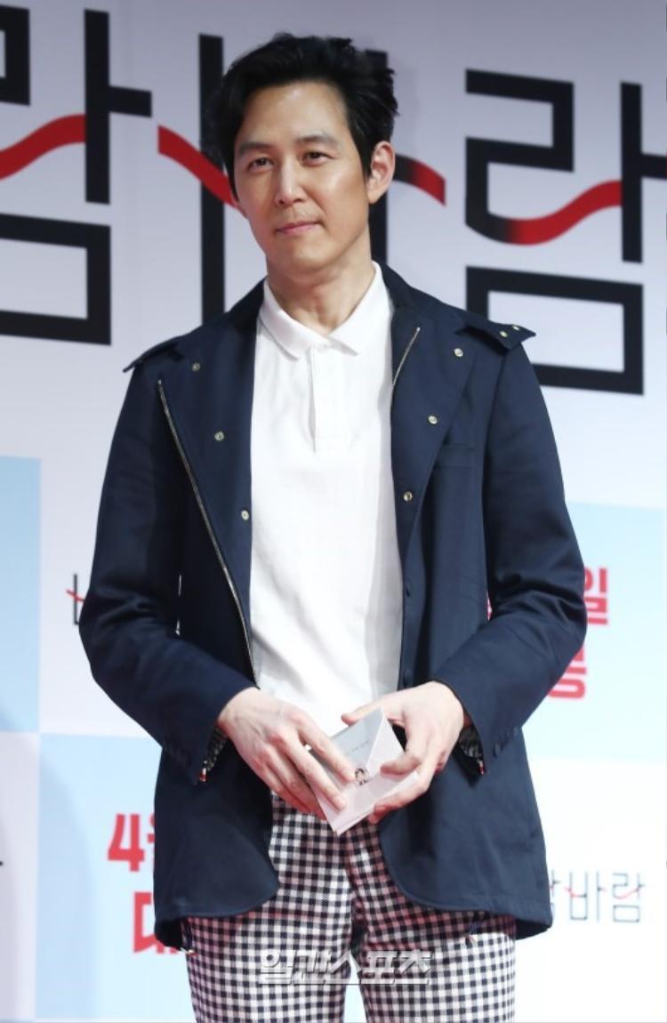 """""""Ông hoàng phòng vé"""" Lee Jung Jae."""