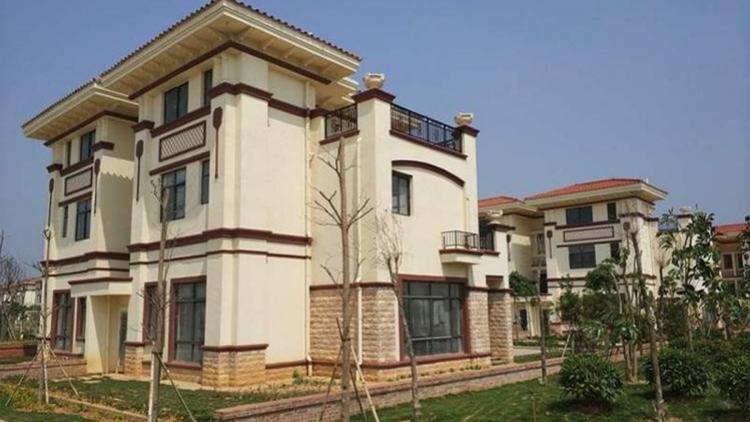 Các căn biệt thự được xây dựng theo phong cách mới, rộng rãi và đầy đủ tiện nghi. Ảnh: Oeeee.com