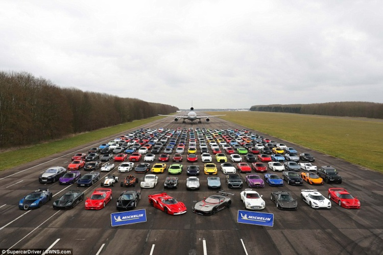 Những chiếc xe được xếp theo thứ tự giá trị. Các siêu xe đình đám nhất phải kể đến Ferrari FXX và Aston Martin Vulcan, mỗi chiếc có giá lên tới 2 triệu bảng Anh (tương đương 56 tỷ VNĐ).