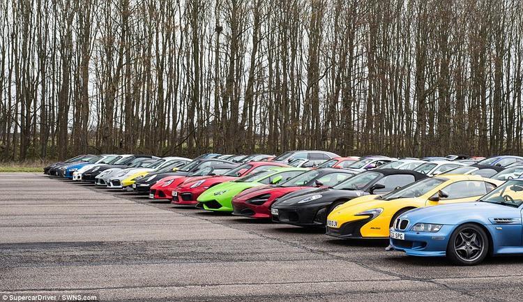 Chỉ riêng hàng xe đầu tiên đã có tổng giá trị lên tới khoảng 648 tỷ VNĐ.Hàng thứ hai gồm những chiếc ô tô xuất sắc nhất của nước Anh với điểm nhấn là 3 chiếc Eagle E-Types với giá khoảng 711 nghìn USD/chiếc. Trong khi đó, hàng thứ 3 lại xuất hiện những siêu xe đắt tiền không kém như chiếcPorsche 918 Spyder,Ferrari F12tdf và 599 GTO.