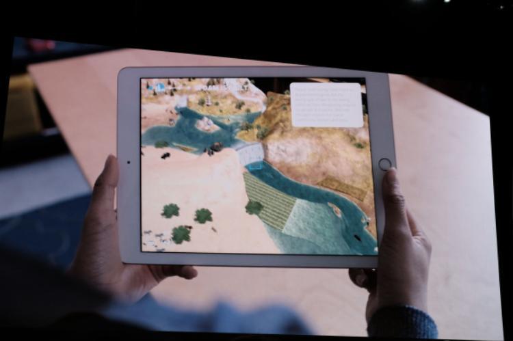 Apple giới thiệu loạt ứng dụng AR khiến bất kì ai cũng muốn lại được đi học trở lại