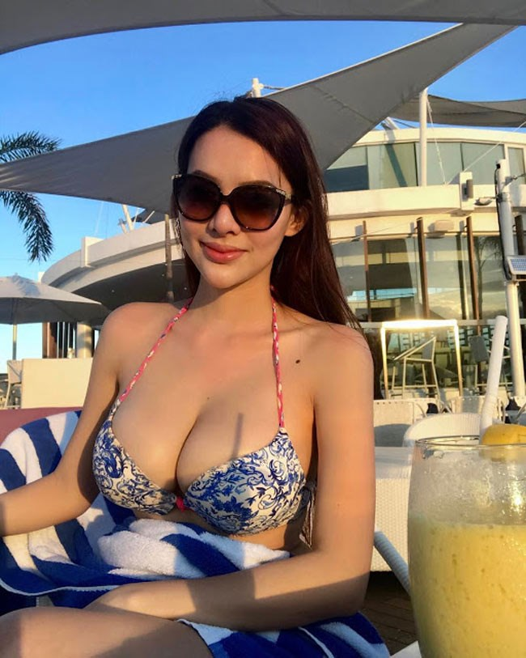 Vẻ sexy khó cưỡng và cuộc sống xa xỉ của mỹ nhân 9X hot nhất Philippines