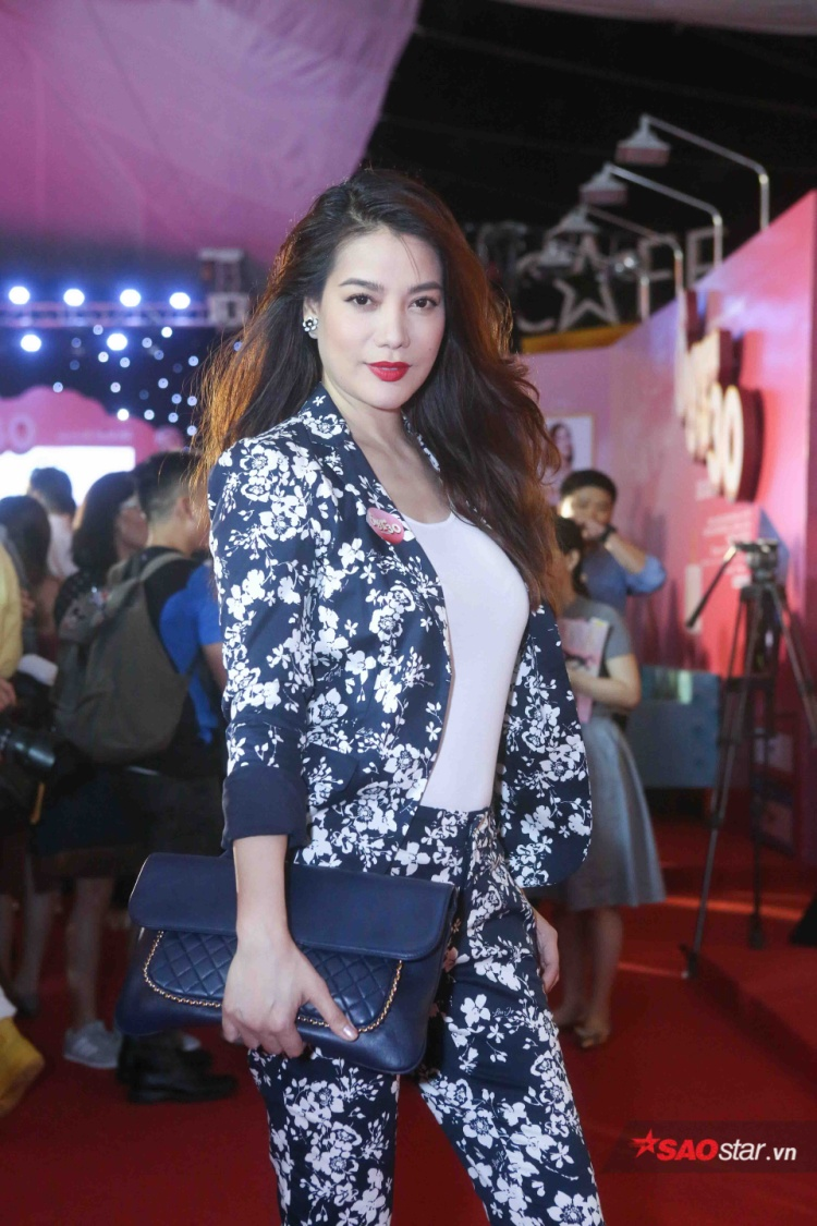 Trương Ngọc Ánh diện trang phục đầy cá tính.