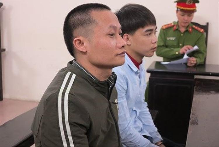 Trịnh Xuân Hòa (bên trái) và đồng phạm tại phiên tòa. Ảnh: ANTĐ