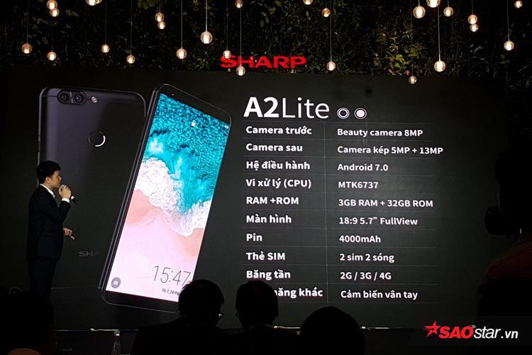 Cùng chiếc Aquos S2, Sharp còn giới thiệu thêm dòng máy A2 Lite giá 3,99 triệu đồng.