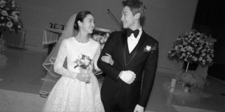Ảnh cưới hiếm hoi của Kim Tae Hee và Bi Rain.